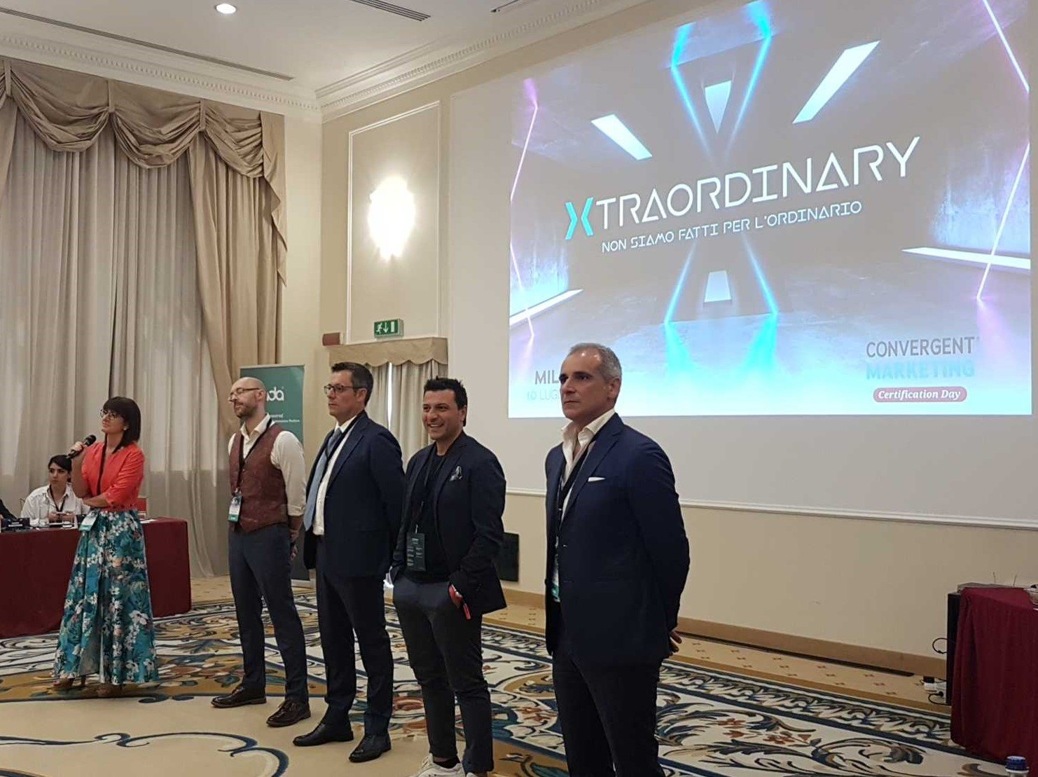 Antonio Perfido premia le migliori agenzie nell'ambito del programma di certificazione del Convergent Marketing